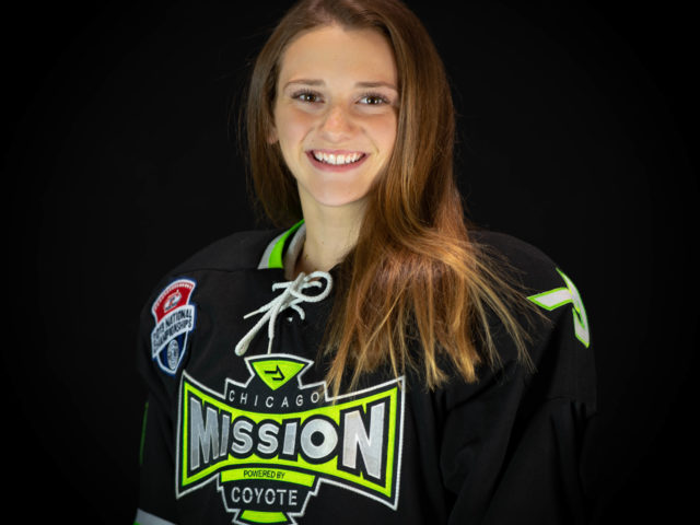 Claire Sammons Commits to Connecticut College